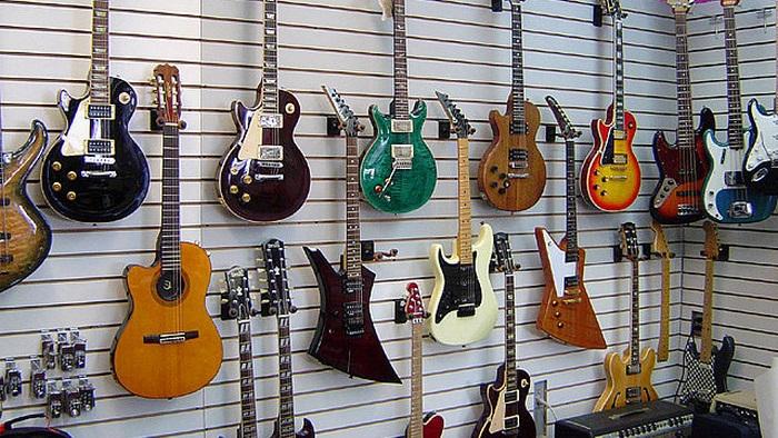 Beberapa Jenis Gitar Yang Digunakan Sesuai Modelnya